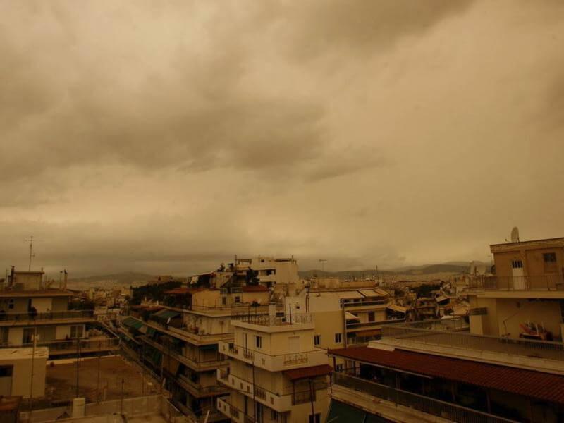 Καιρός: Λασποβροχές και καταιγίδες