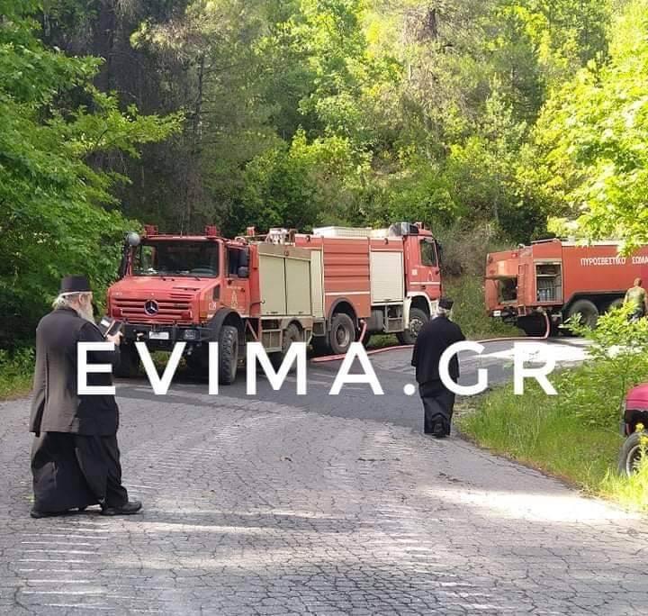 Εύβοια: Φωτιά σε Δρυμώνα και Κεράμεια από κεραυνό