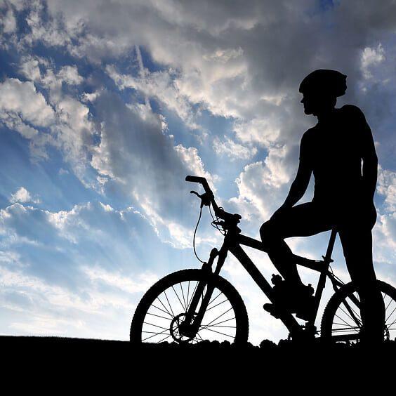 Ποδηλατοβόλτα στον Πειραιά δίπλα στη θάλασσα για την Παγκόσμια Ημέρα Ποδηλάτου
