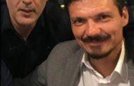 Ο Γιάννης Μώραλης αποχαιρετά τον Βασίλη Τοκάκη