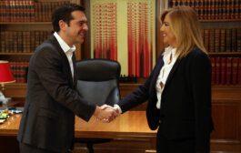 Οι δημοσκοπήσεις και η περίεργη σύμπλευση στελεχών ΣΥΡΙΖΑ- Κίνημα Αλλαγής