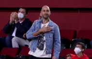 Ολυμπιακός: Η στιγμή της αποθέωσης του Βασίλη Σπανούλη στο ΣΕΦ
